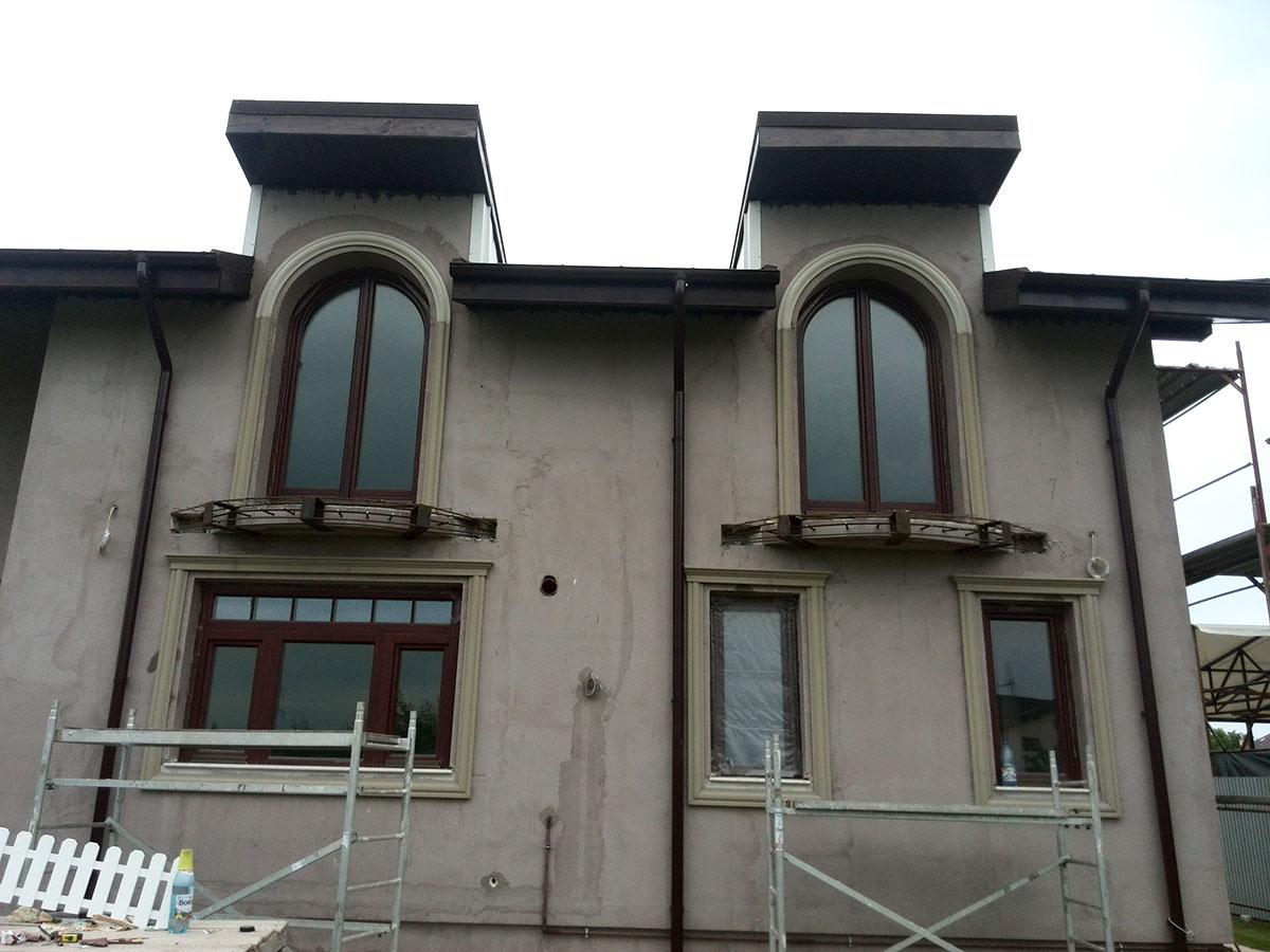 Montaj decoratiuni exterioare